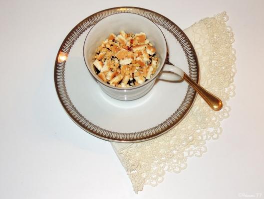 cioccolata calda alla cannella con croccante di biscotti e nocciole (5)